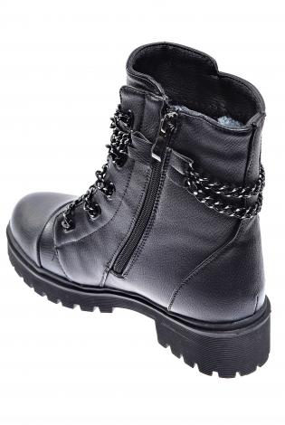 Черные ботинки