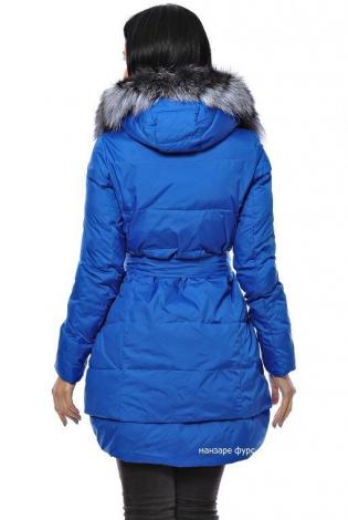 Зимняя куртка ярко-голубая