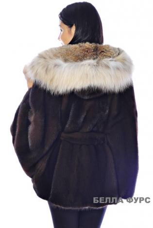 Шуба из меха норки темно-коричневая