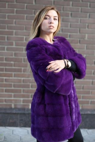 Шуба из меха норки фиолетовая