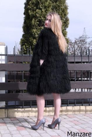 Жилет из меха ламы черный
