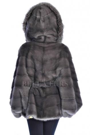 Шуба из меха норки черно-серая