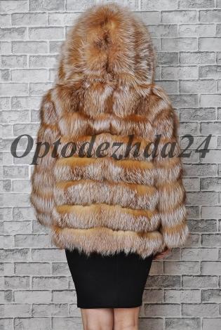 Шуба из лисы с капюшоном
